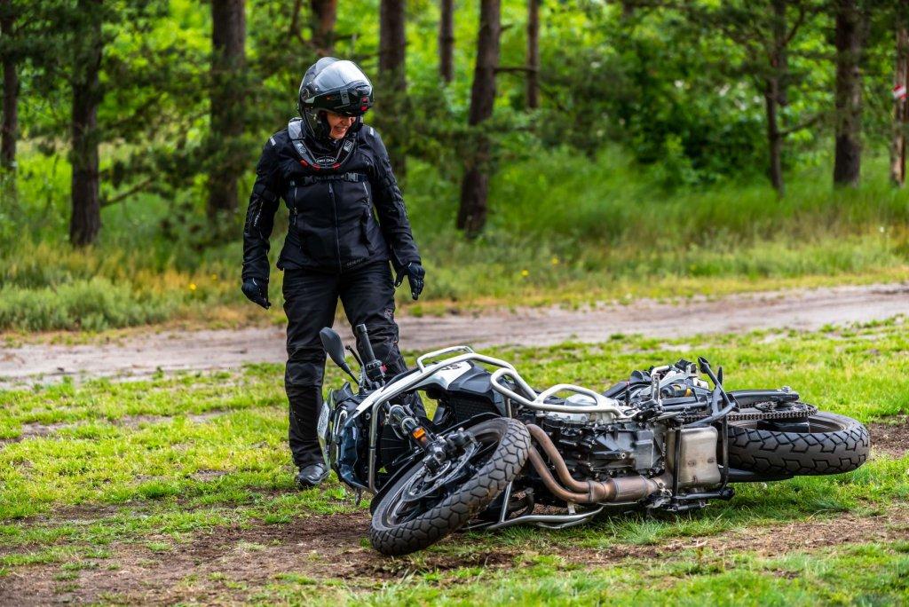Wenn ein Motorrad mal hinfällt