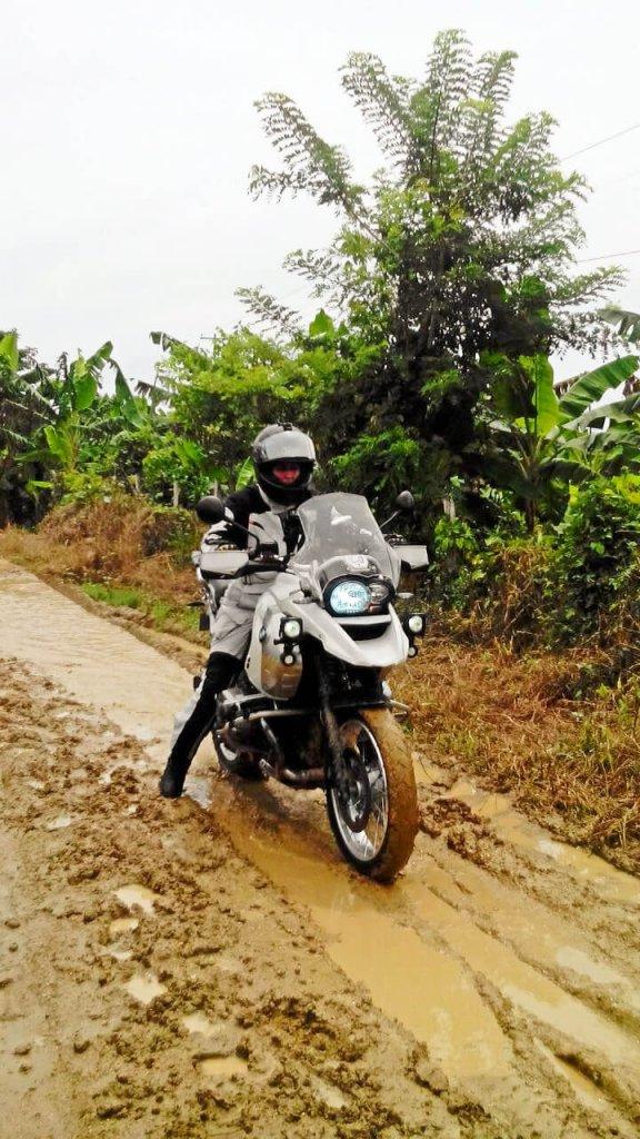 Off-Road mit BMW GS durch den Schlamm
