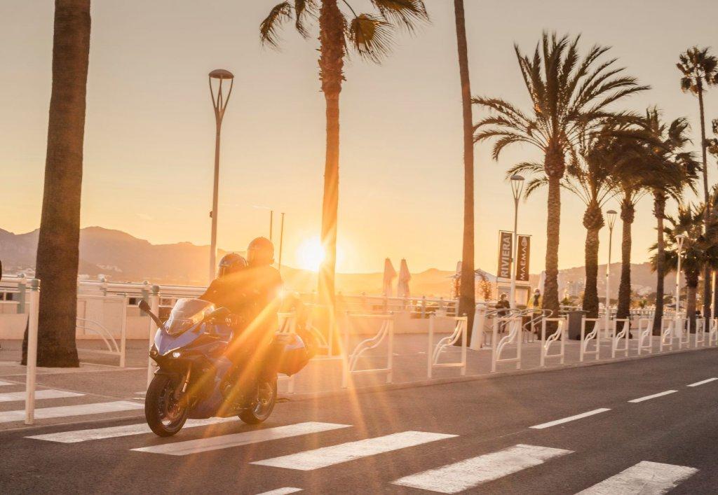 Suzuki GSX-S1000 GT Motorradtour und Abenteuer an der Coute-d-Azure