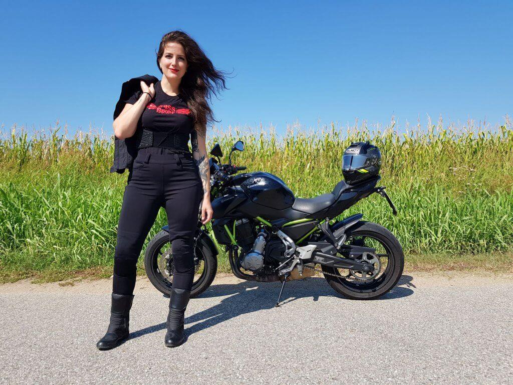 RIDER of the WEEK - CHristina aus Italien