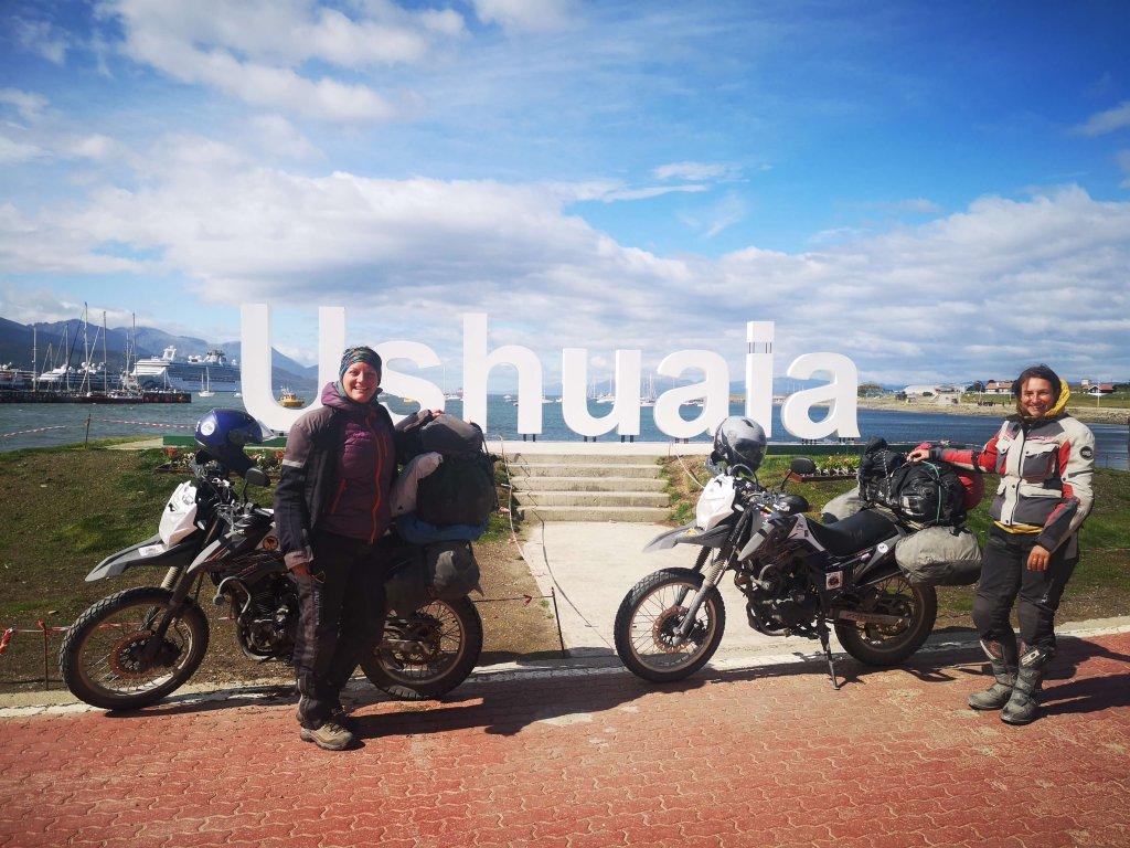 Mit dem Motorrad in Ushuaia Argentinien Feuerland angekommen